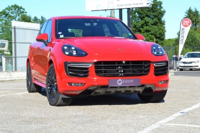 Covering Porsche Cayenne GTS